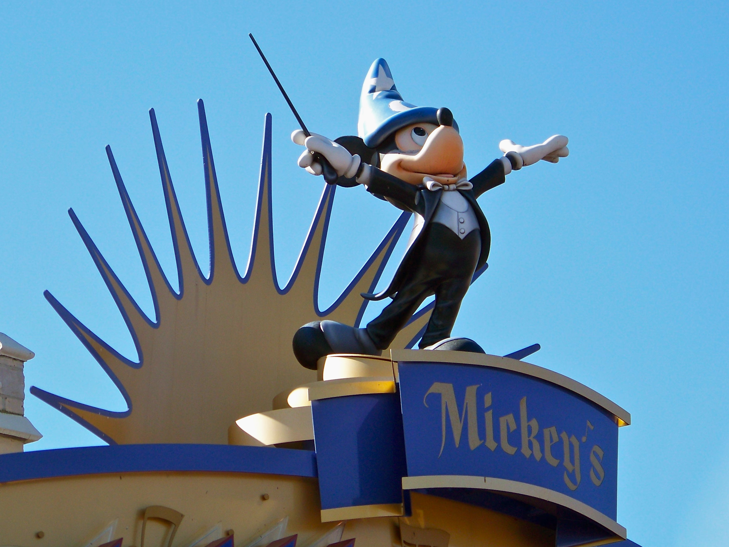 Maestro Mickey